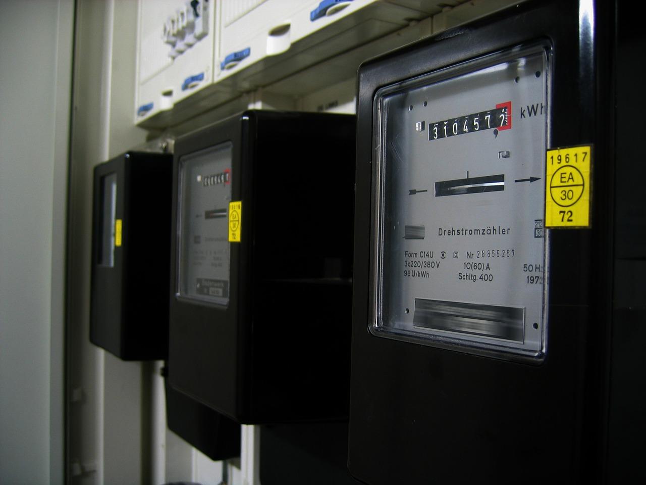 香港中電本月起將分批為用戶安裝智能電表