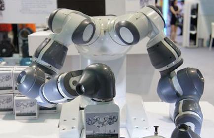 帶你領略ABB智能YuMi機器人如何解魔方