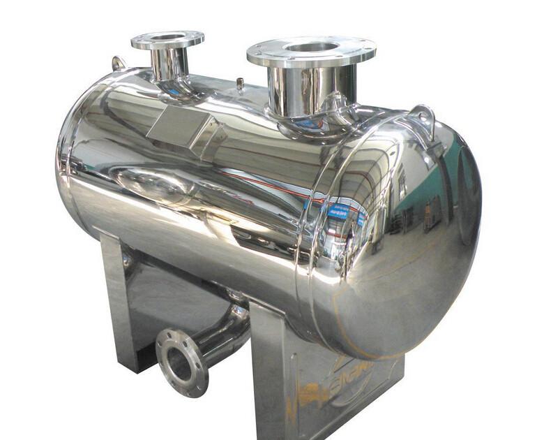 三、抚顺无负压供水罐功能特点: 过流部件材质达标(SUS304不锈钢,板材厚度3mm),表面标配做镜面抛光。采用新一代机械式真空抑制器,密封和真空抑制效果好,确保市政供水波动不溅水。尺寸全面支持定做(进出水法兰规格、底座高度、出水到地面高度、长度、直径等)。配缺水保护传感器,自来水停水后可确保水泵停止运行而免遭损坏。